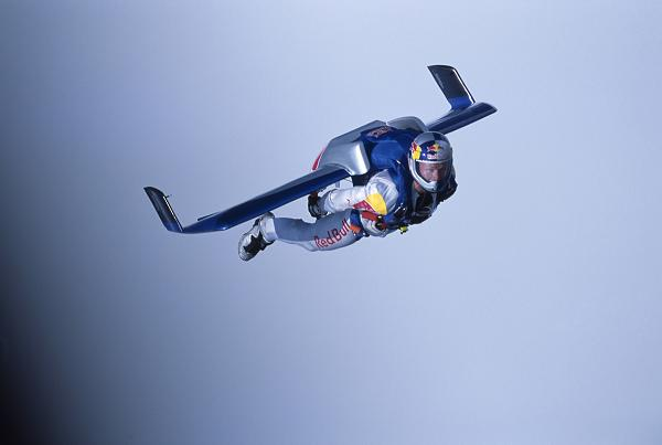 red-bull-stratos-rbst-histo-ug-0001.jpeg